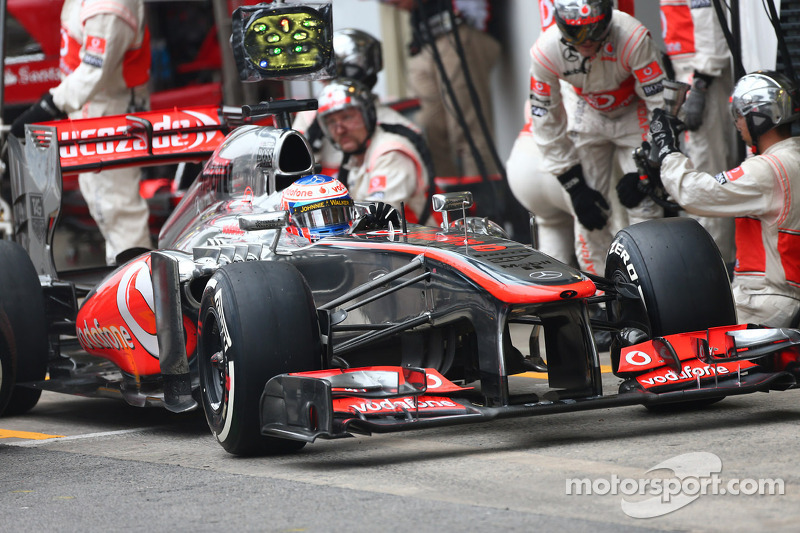 Crash test situation 'normal' insists McLaren