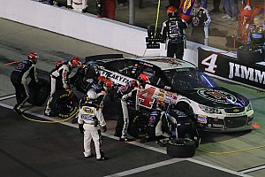 Harvick overcomes midrace incident to finish 5th in Sprint Unlimited