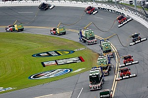 NASCAR Sprint Cup Breaking news Rain stops Daytona 500 after 38 laps