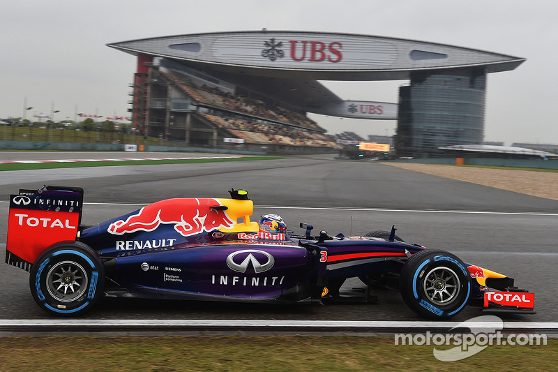Both Red Bull drivers on qualifying podium at China