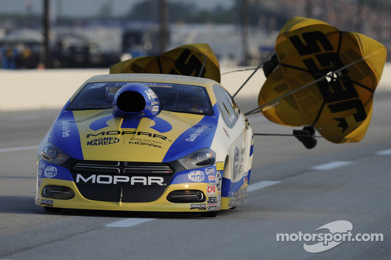Crampton, Worsham and Johnson lead after first day of qualifying at NHRA Springnationals