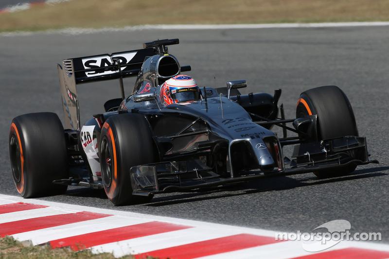 Spanish GP Friday free practice: McLaren improves