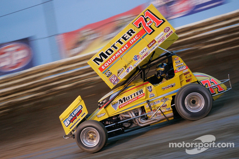 Saldana snags sprint car win at Charlotte