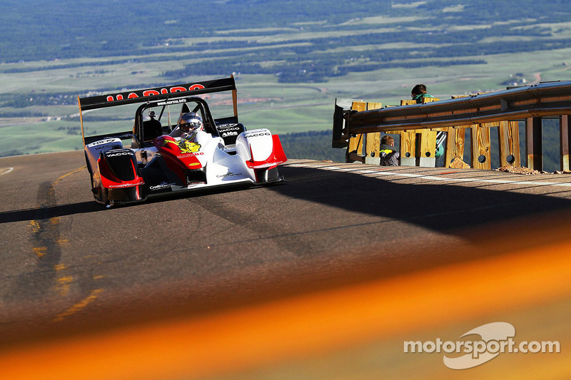 Pikes Peak: Romain Dumas wins the race to the clouds