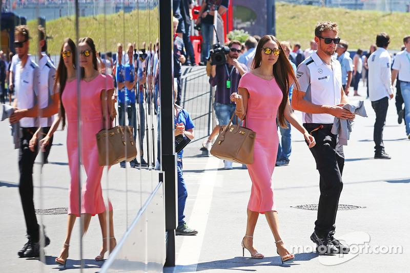 McLaren chiefs must 'try harder' too - Button