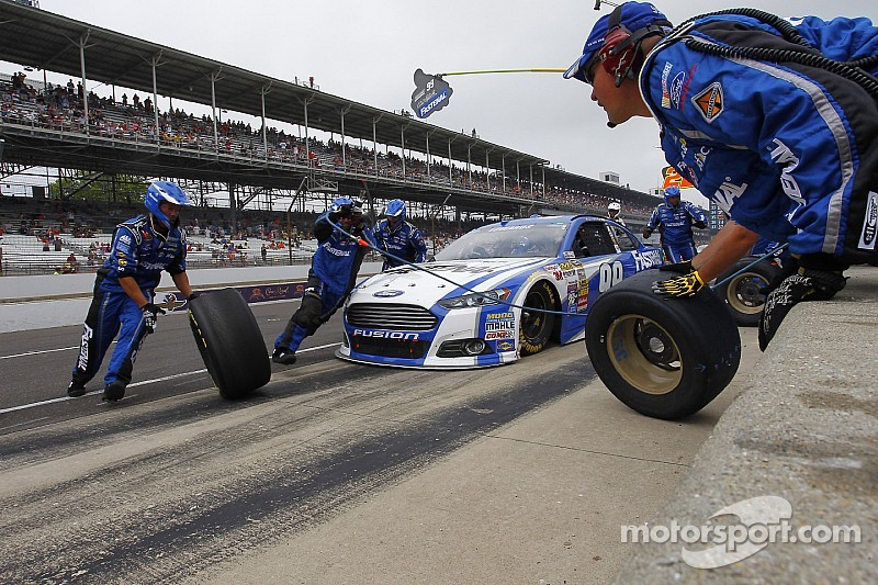 McCray injured during pit stop at Pocono