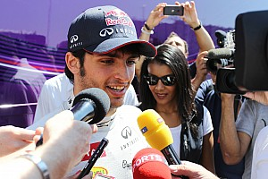 Sainz Jr on hold after Verstappen signing