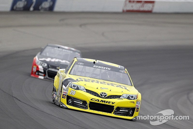 Kenseth, Kahne eye first win as Chase approaches