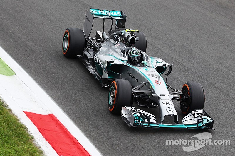 Rosberg leads FP2 as Hamilton encounters electronic issues