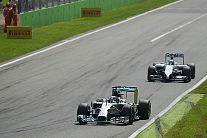 Hamilton wins Italian GP for the second time with Pirelli
