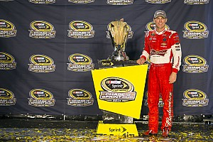 Kevin Harvick receives championship pit crew in time for the Chase