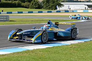 E.DAMS-Renault Formula-E Team: Renault enters the competition!