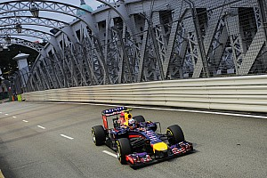 Second row of the grid for both Red Bull drivers at Marina Bay street circuit