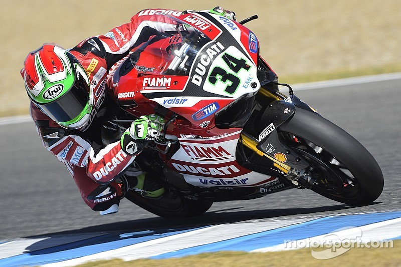 Giugliano ends opening day in France on top