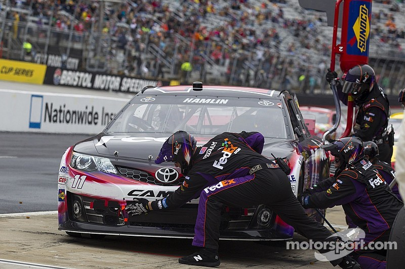 Hamlin enters Talladega without his first-string jackman