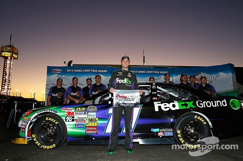 Hamlin takes pole in Phoenix