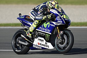 Rossi takes final MotoGP pole of the year with last gasp effort at Valencia