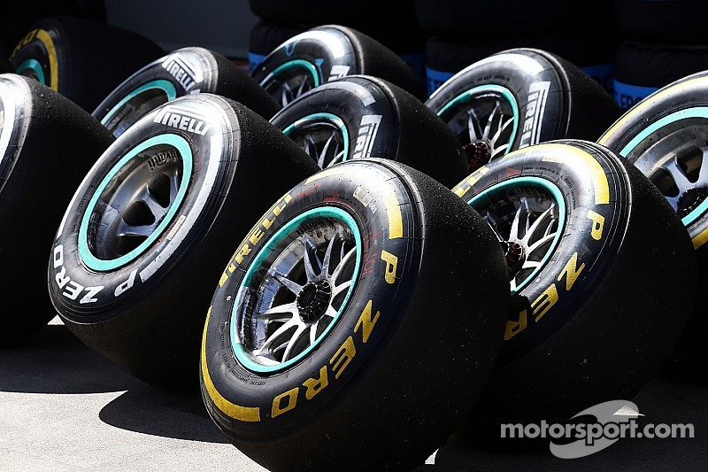 Pirelli: Lewis Hamilton claims pole on P Zero soft tyres