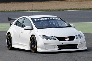 BTCC Testing report BTCC Honda Civic Type R breaks cover at Brands Hatch