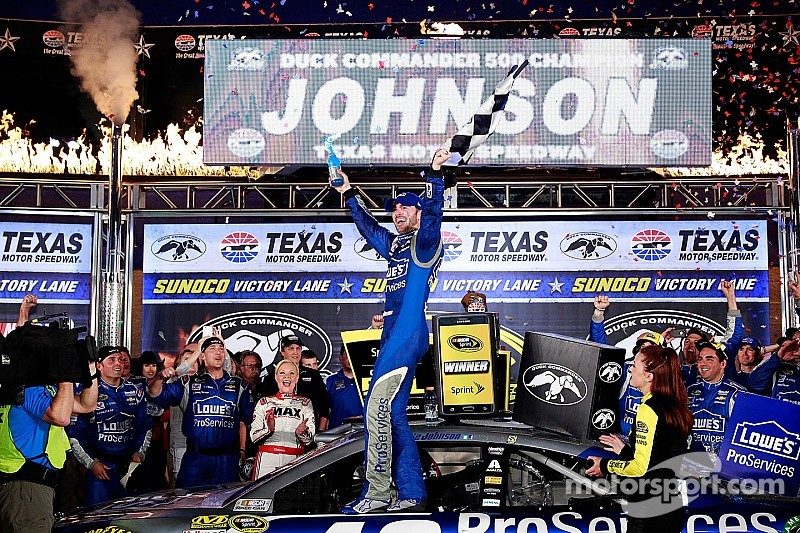 Johnson gana en Texas