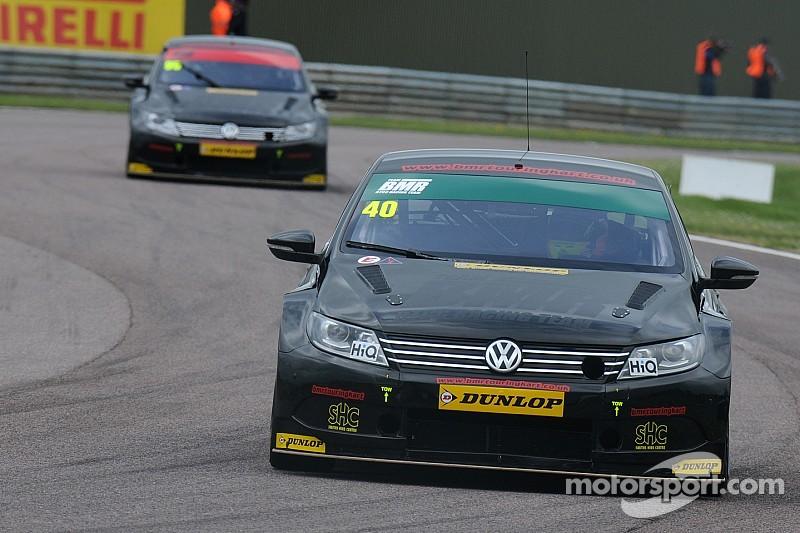 Smith takes Thruxton pole in accident-strewn qualifying