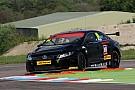 Plato breaks lap record in Oulton Park practice
