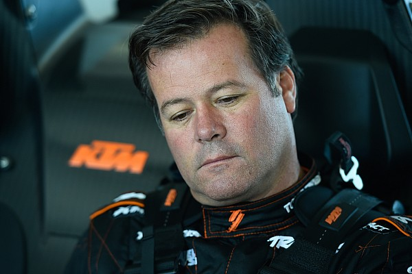 Offroad Breaking news Robby Gordon hits spectator during Baja 500