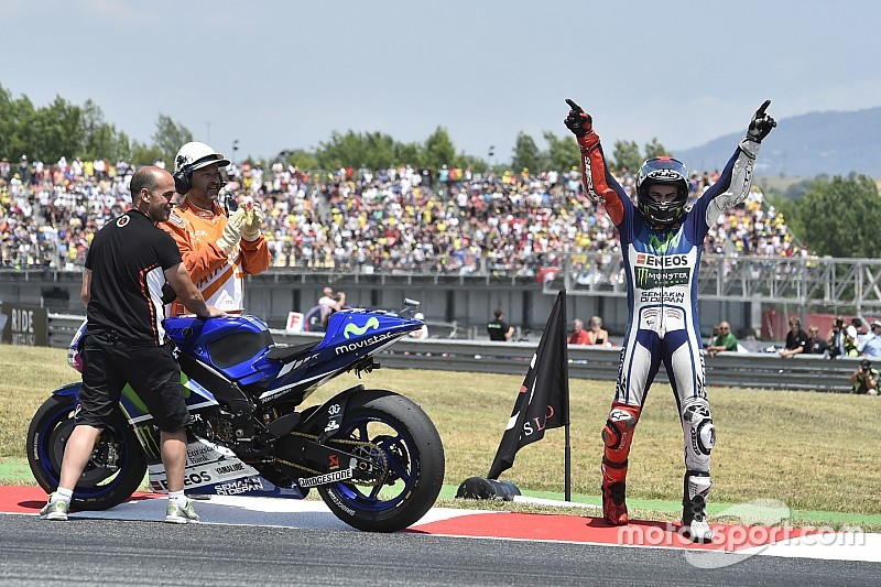 Lorenzo sumó la cuarta seguida en Barcelona