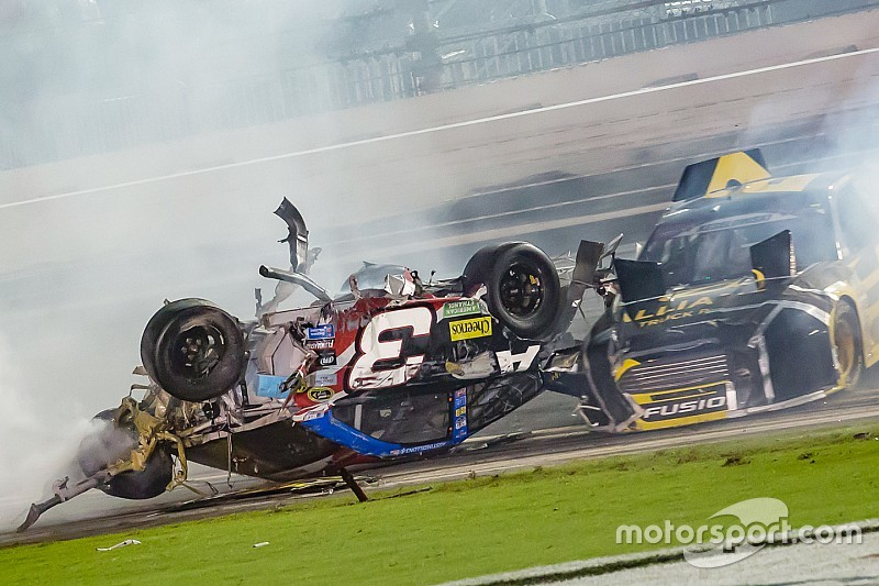 A different mentality: Pack racing in NASCAR vs. IndyCar