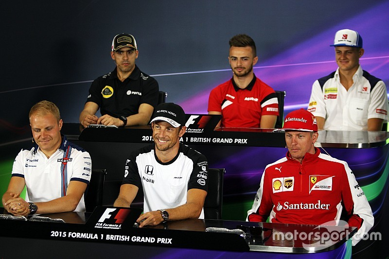 Media to blame for F1 driver 'robots', says Lotus