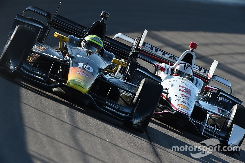 Castroneves roba la pole position