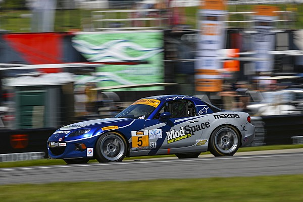 McCumbee, Bell top Continental Tire qualifying