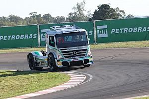 Fórmula Truck Relato da corrida Salustiano domina fim de semana em Santa Cruz do Sul e fica perto da liderança