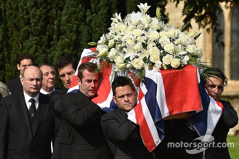 Hundreds pay respects at Justin Wilson funeral in England