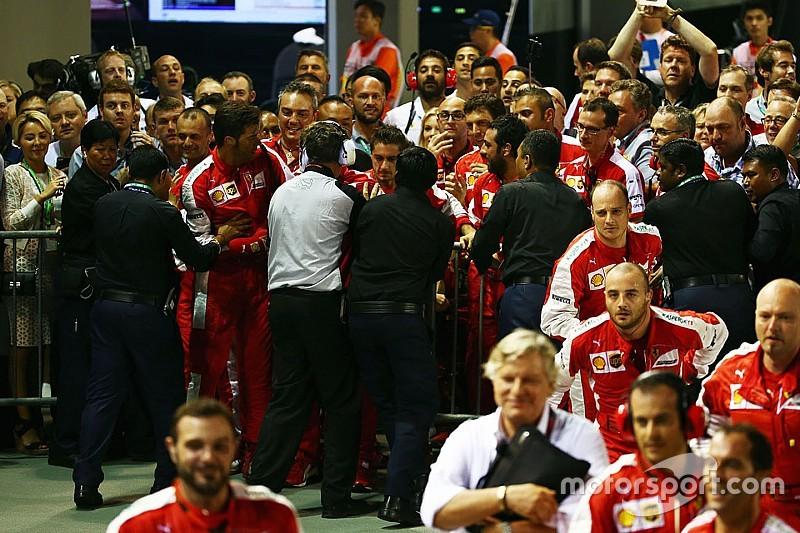 Piden que Ferrari se disculpe por un incidente con sus mecánicos