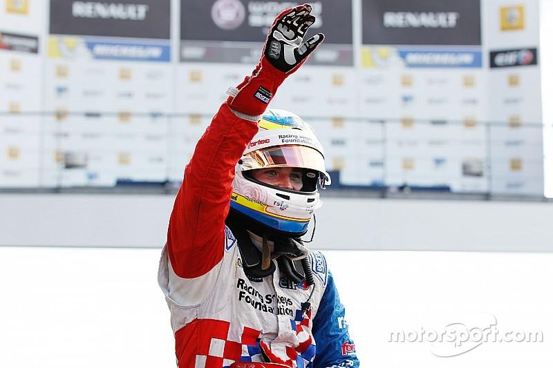 Jerez FR3.5: Rowland surpasses Sainz's record with dominant win