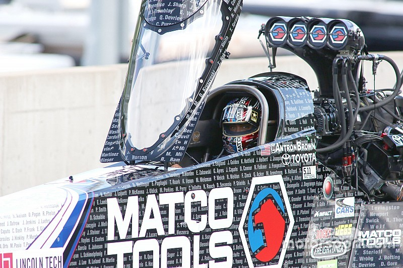 Two drivers could lock up NHRA titles in Vegas
