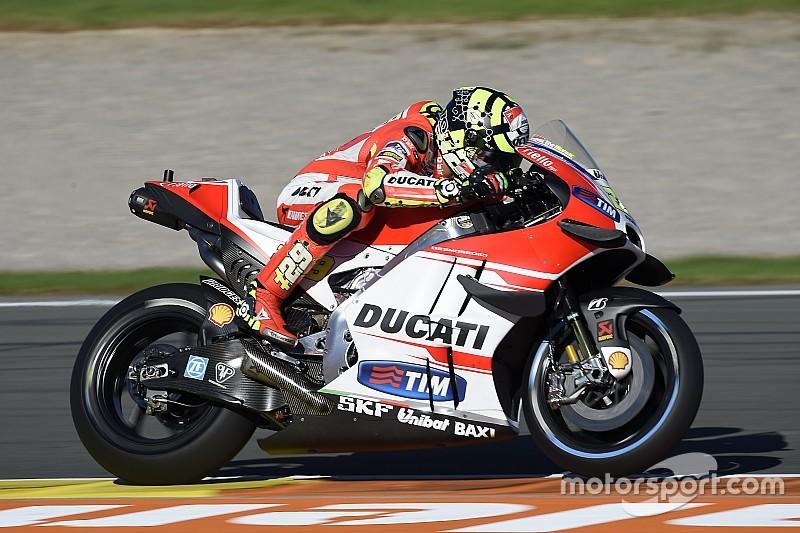 Valencia MotoGP: Iannone tops FP3, Rossi takes second