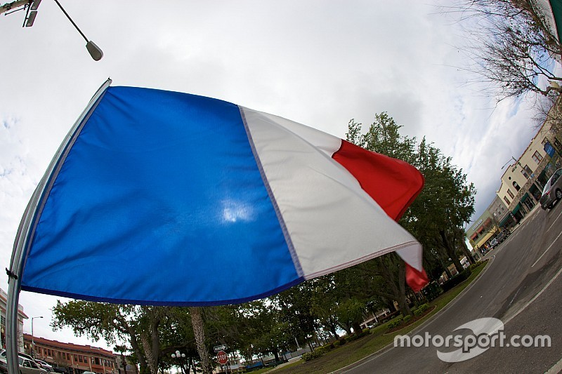 F1 to pay respects to Paris victims in Brazil