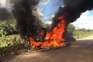 Dakar Breaking news Top Renault truck exits Dakar in flames