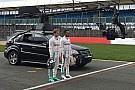 У Mercedes випробували нову W07 в Сільверстоуні