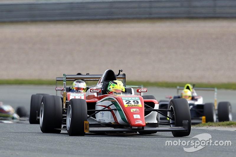 意大利F4伊莫拉第一回合:米克·舒马赫第二,叶一飞第六