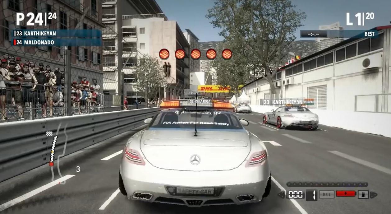 F1-es biztonsági autók versenyeztek egymás ellen Monacóban: Nagyon nagy!