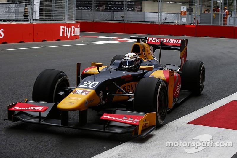 GP2巴库第一回合比赛:吉奥维钠兹赢下乱战