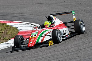 Formula 4 Gara Mick Schumacher regola Mawson e domina Gara 1 al Nurburgring