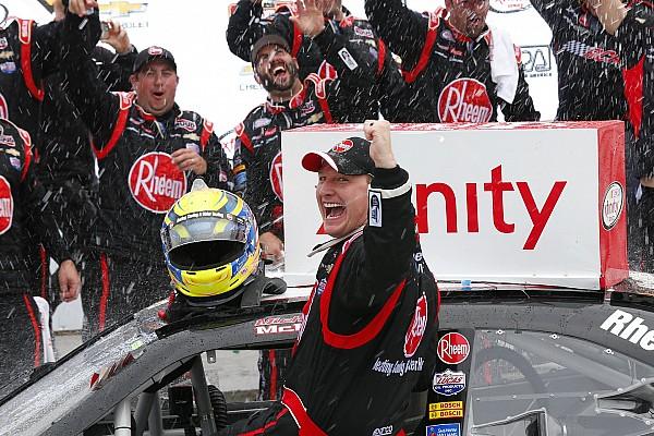 NASCAR XFINITY Relato da corrida Após 9 anos, McDowell obtém 1ª vitória de nível nacional
