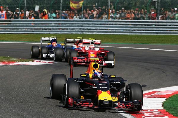 Formule 1 Commentaar Analyse: Hoe Max Verstappen de meningen verdeelt