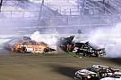 Monster Energy NASCAR Cup Едвардс втратив надії на титул в масовій аварії на рестарті