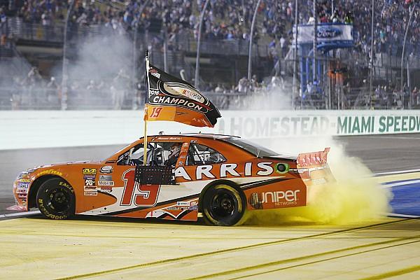 NASCAR XFINITY Entrevista Suárez trabajó mucho para ganar su título en NASCAR