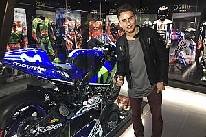 """MotoGP Últimas notícias Galeria: Lorenzo inaugura """"Museu dos Campeões"""" em Andorra"""